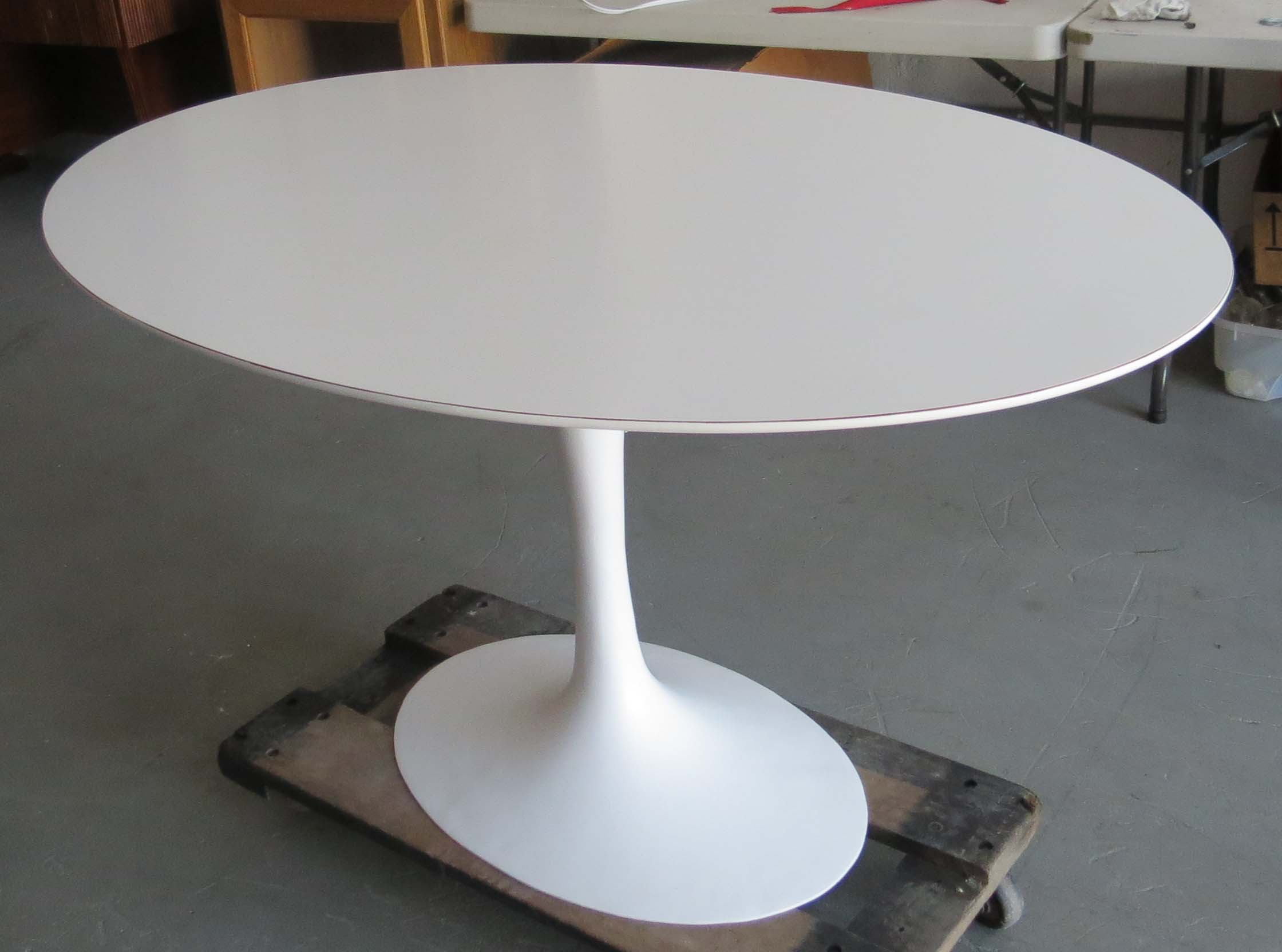 Tulip Tisch Saarinen Oval Tulip Table | Modernism