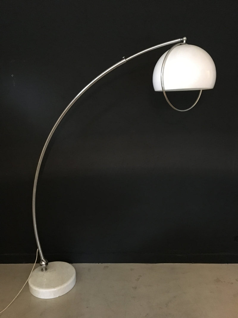 "Table Bistrot Inox Lampadaire ""arc"" De Harvey Guzzini - Moderniste.ch - Lausanne"