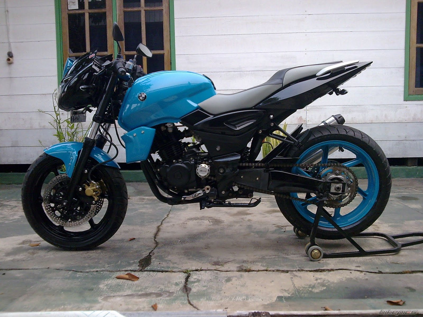 Pulsar 220 Hd Wallpapers 1080p Modification To The Bike Should Be Legal Modification