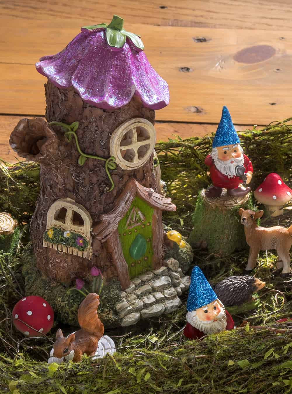 Precious Woodland Create A Desk Fairy Garden Orforest Make A Magical Desk Fairy Garden Mod Podge Rocks Fairy Garden S To Color Fairy Garden S On Pinterest garden Fairy Garden Pictures