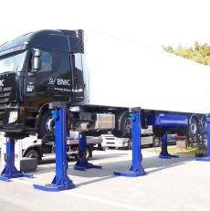 Lastebiler og Busser