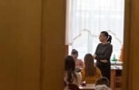 """Lilia Gajam, profesoară de Arta Plastică la Liceul Teoretic """"Mircea Eliade"""" din Chișinău FOTO: Sandu Tarlev"""