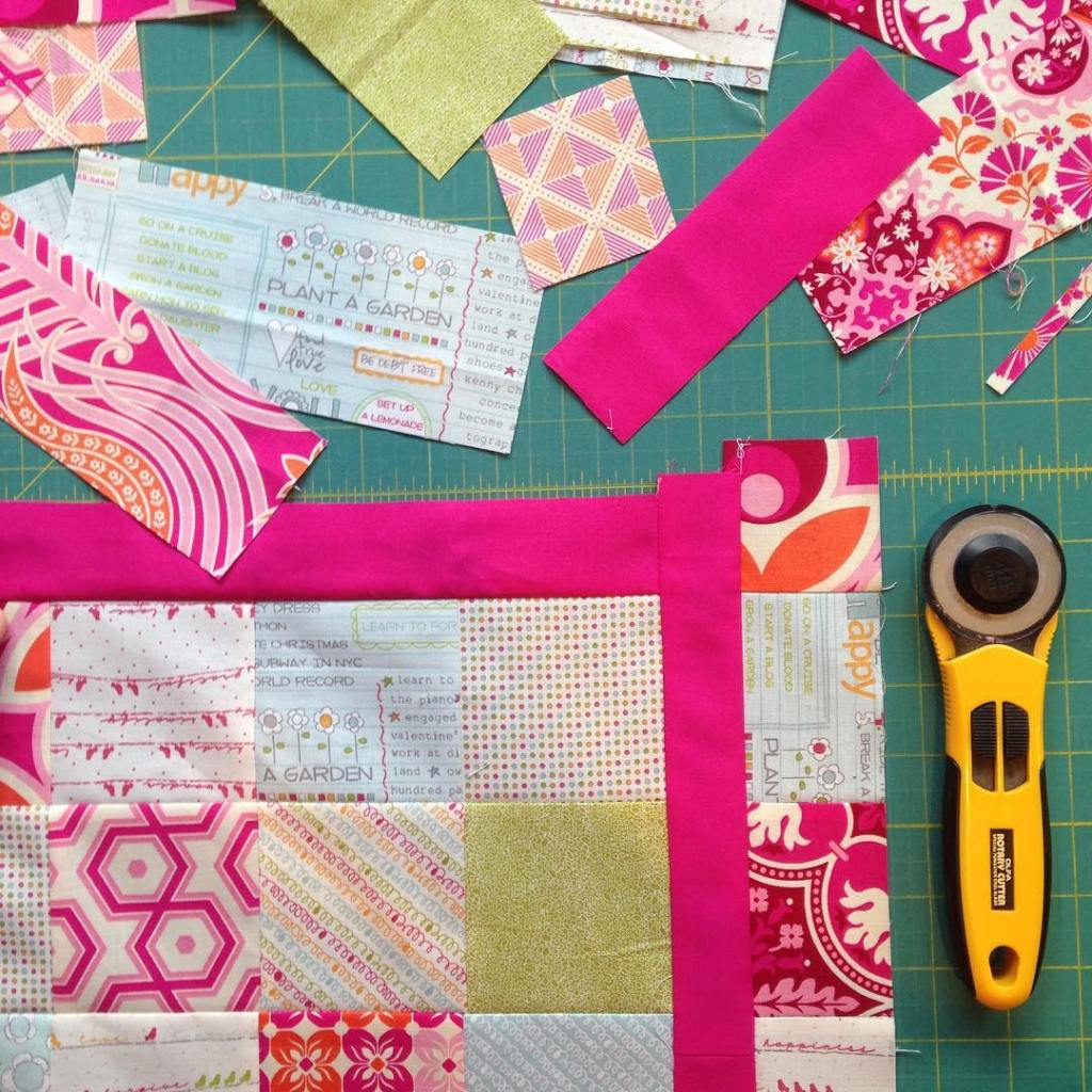 I dont usually like borders on quilts But Im livingforlovehellip