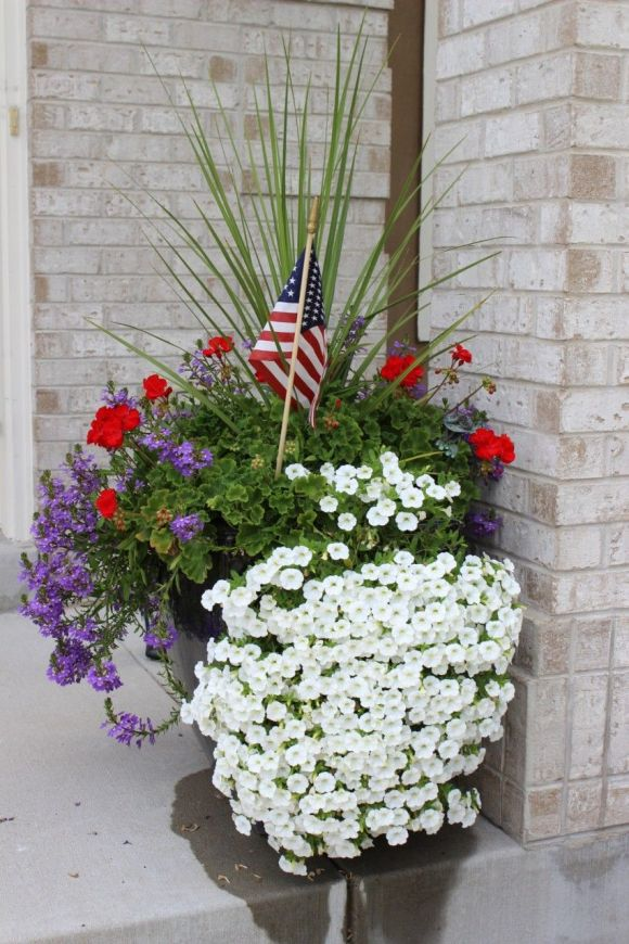 Pretty planter, fourth of july planter, planter ideas.