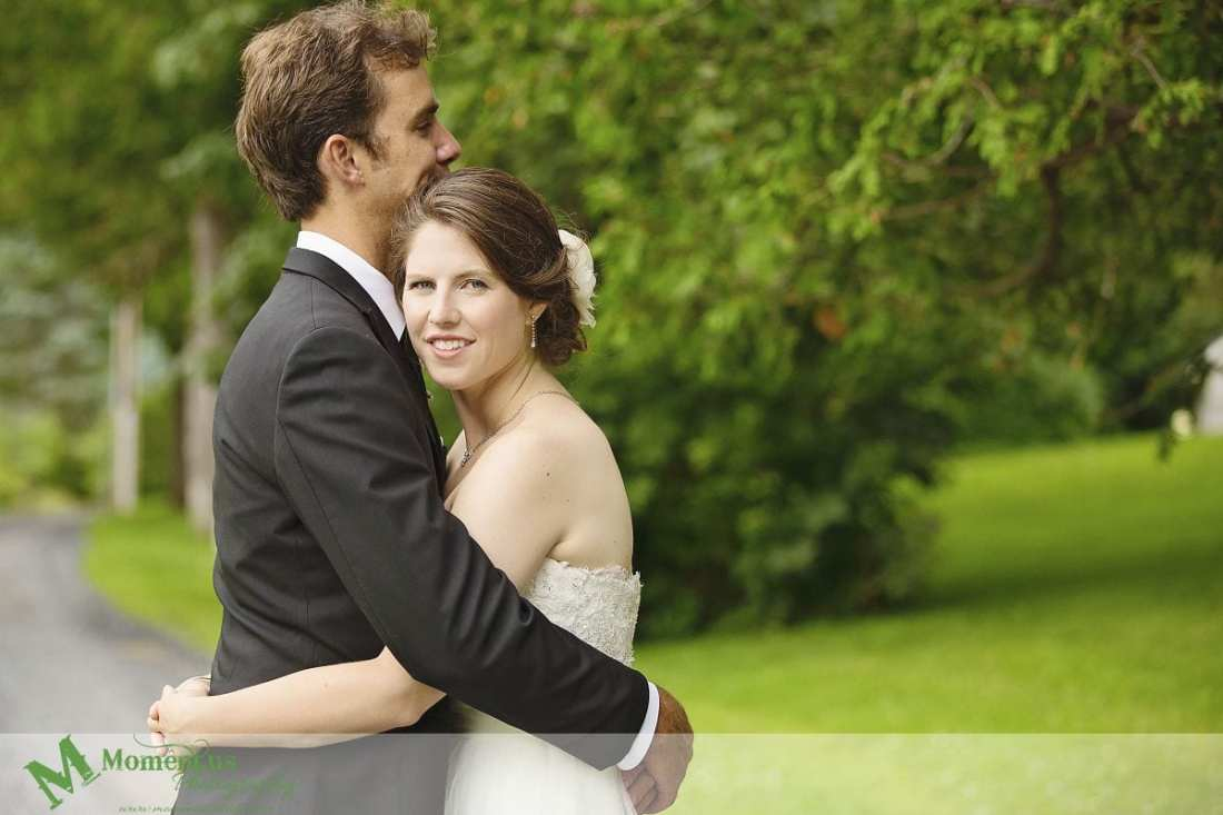 Williamstown Country Wedding - couple cuddling by Sir John Johnson House
