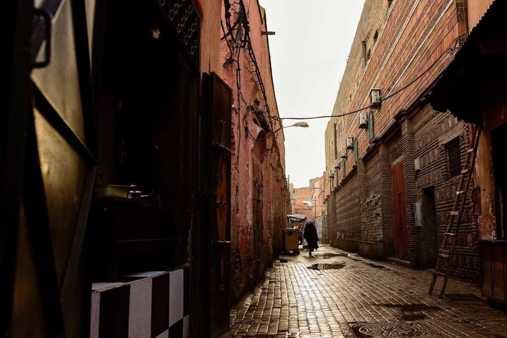Wedding photographer in Morocco - quiet street in Marrakech medina