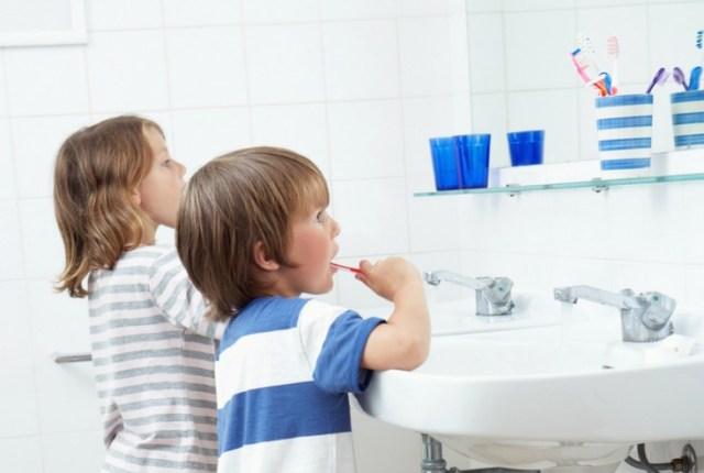 Ways-to-make-brushing-fun-teeth