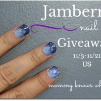 Dress Up Your Nails: Jamberry Nail Wraps Review & Giveaway {Holiday Gift Guide}