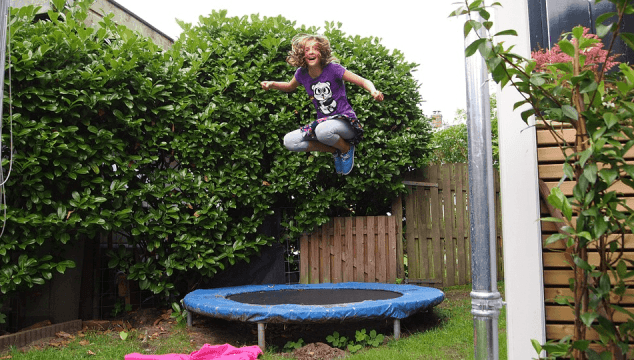 how to keep the kids entertained in the backyard
