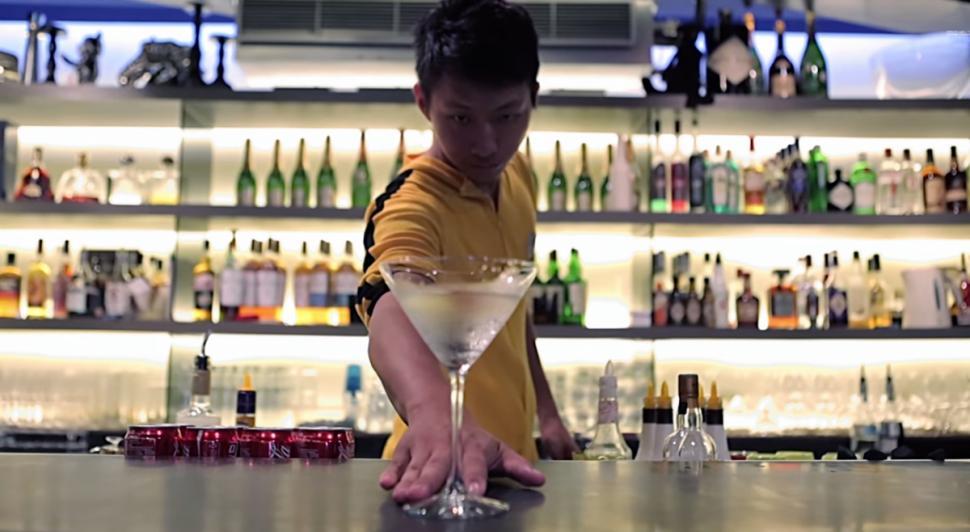 Flair Bartending barman
