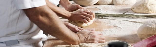 pétrir pain boulangerie
