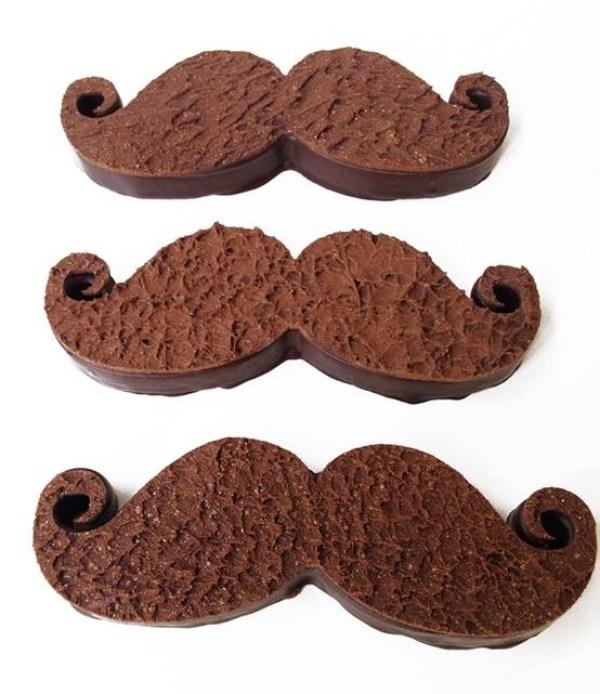 moustache chocolat