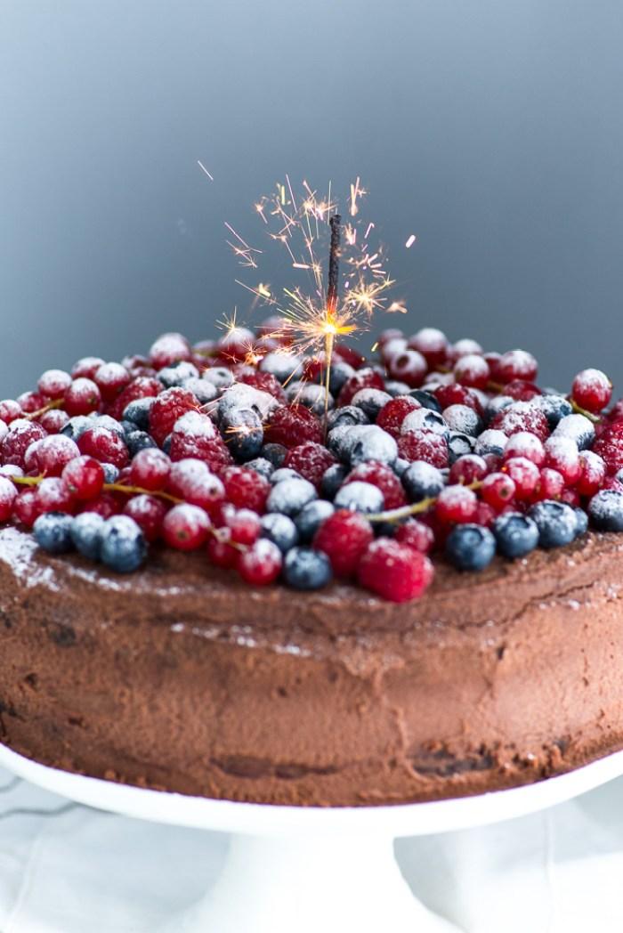 Chocolate-Berries-Birthday-Cake--4