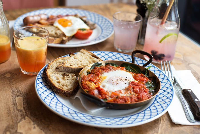 Brunch at Queenswood in Battersea Square, London