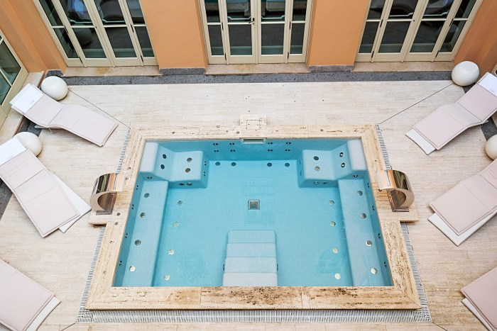 Luxury stay at gran melia rome villa agrippina mondomulia for Gran melia villa agrippina hotel rome