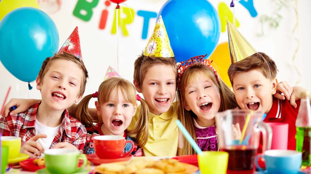 How to Plan a Kids Birthday Party on a Budget - 6 Ways to Save