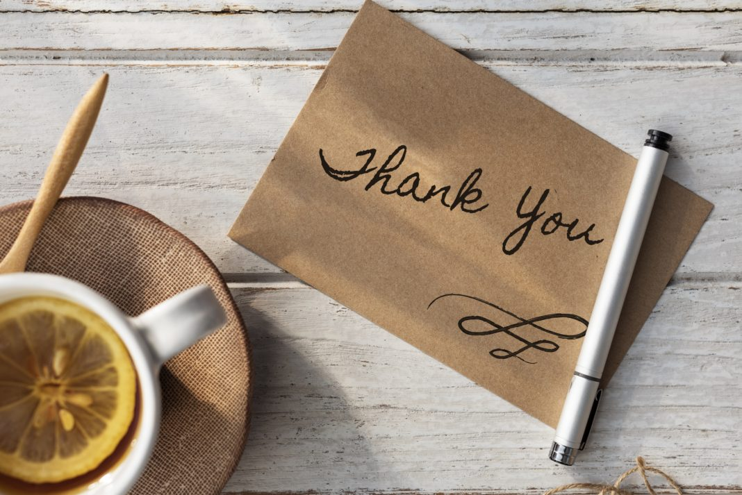 What to Write in a Thank You Card - 4 Tips for Proper Etiquette