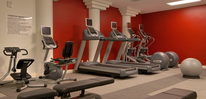 Fitness center embassy Suites