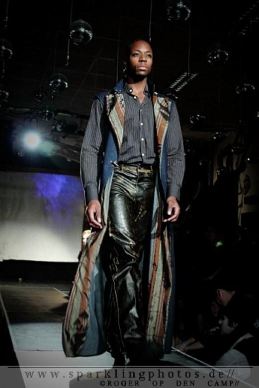 Fashion_Show_Spiegelbar_Tivoli_Oude_Gracht_(5)_1.jpg