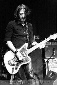 2011-11-01_Dead_Guitars_-_Bild_012.jpg