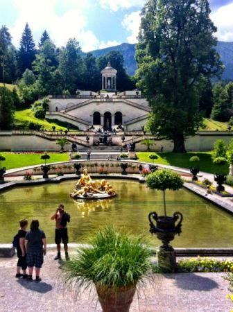 Water feature in front of Linderhof Palace