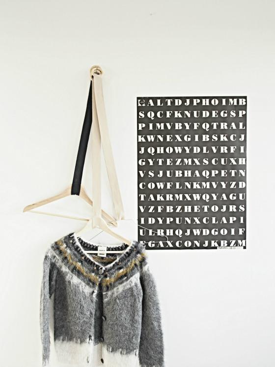 Leather_hangers_DIY_mc
