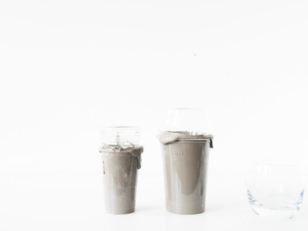 DIY-concrete-tumblers-mixing-the-concrete