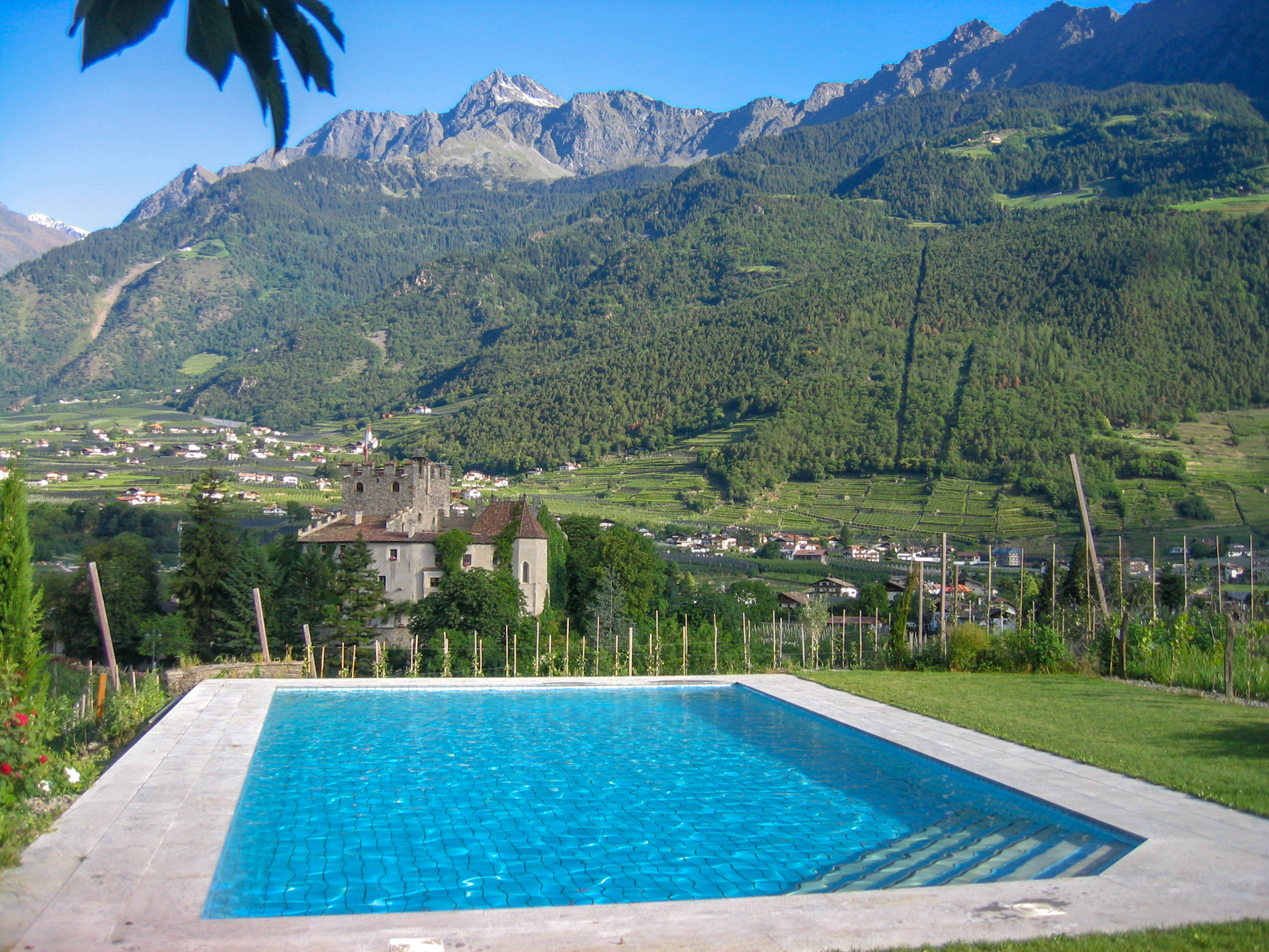 Ferienwohnung Mit Pool Marling Appartements Im Moosbichlerhof In Marling