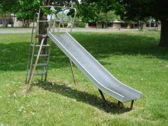 Playground_Slide_Metal