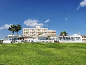 Pierre-Anne-Beach-Hotel-24