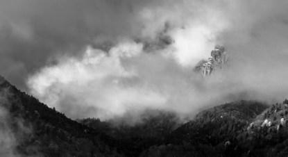 Un bout de Gerbier sort des nuages