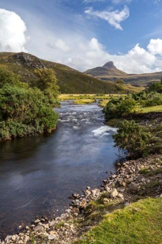 La rivière Polly et le Stac Pollaidh