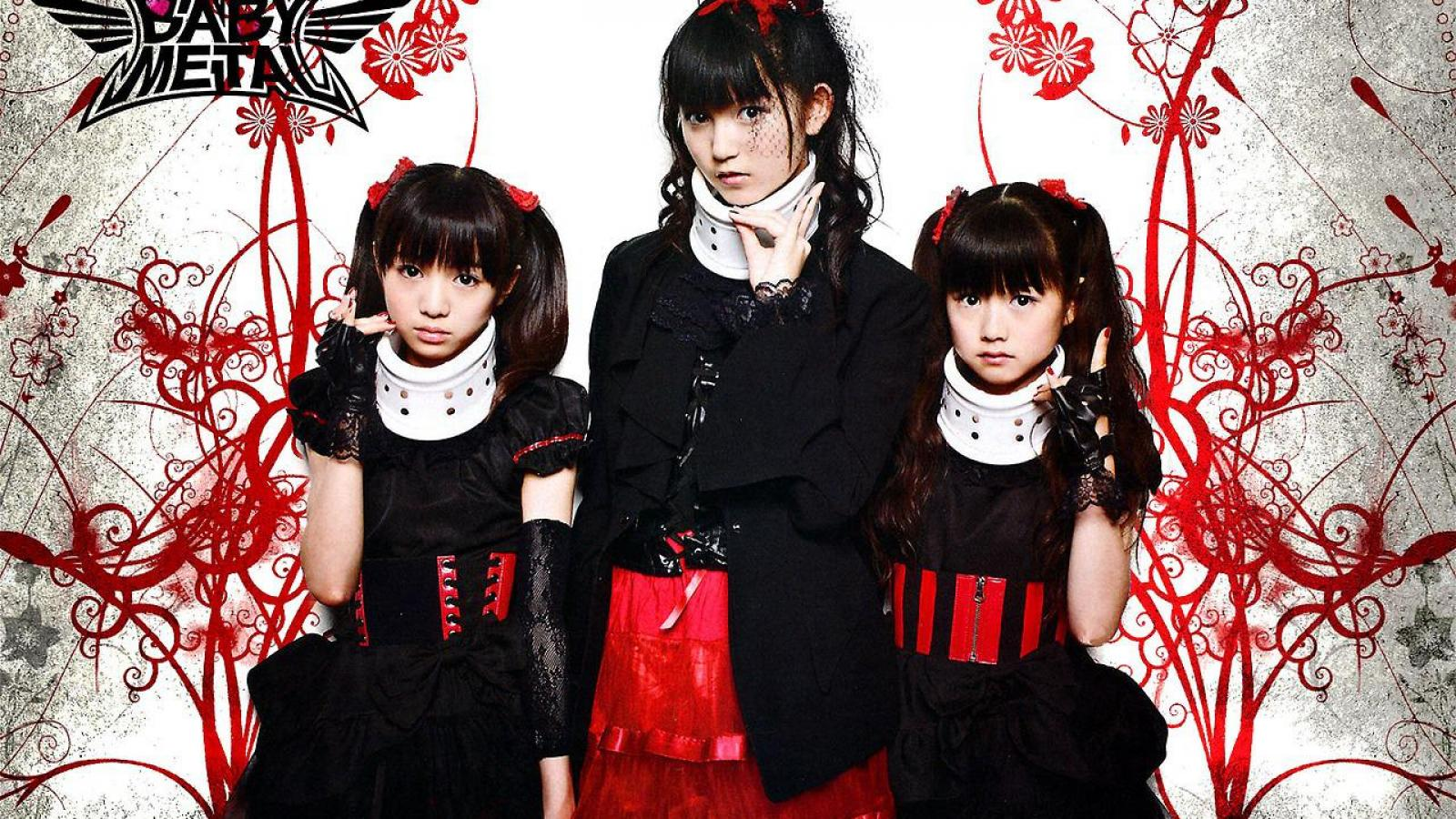 Moametal Wallpaper Cute Throw Up Your Fox Signs Here S Babymetal Morningtime