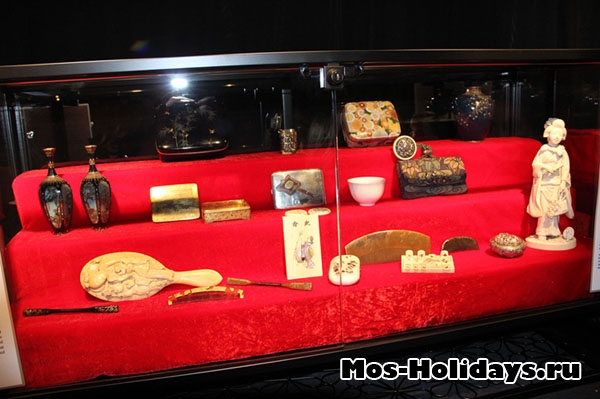 Женские украшения на выставке Самураи Art of War