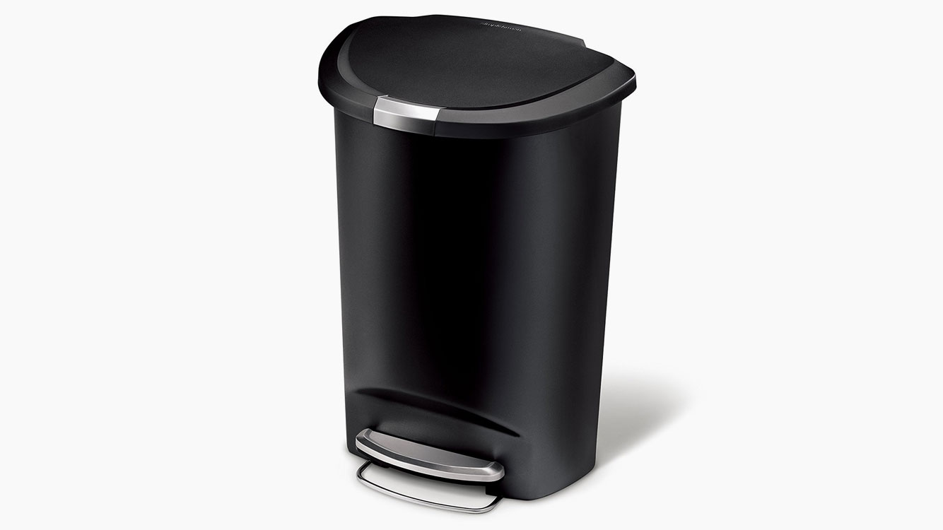 Metal Indoor Trash Can 5 Dog Proof Kitchen Trash Cans That Actually Work Mostcraft