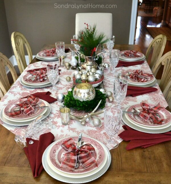 fine china, Christmas table decorating, Christmas decorating