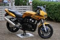 2001 Yamaha FZS 600 Fazer - Moto.ZombDrive.COM