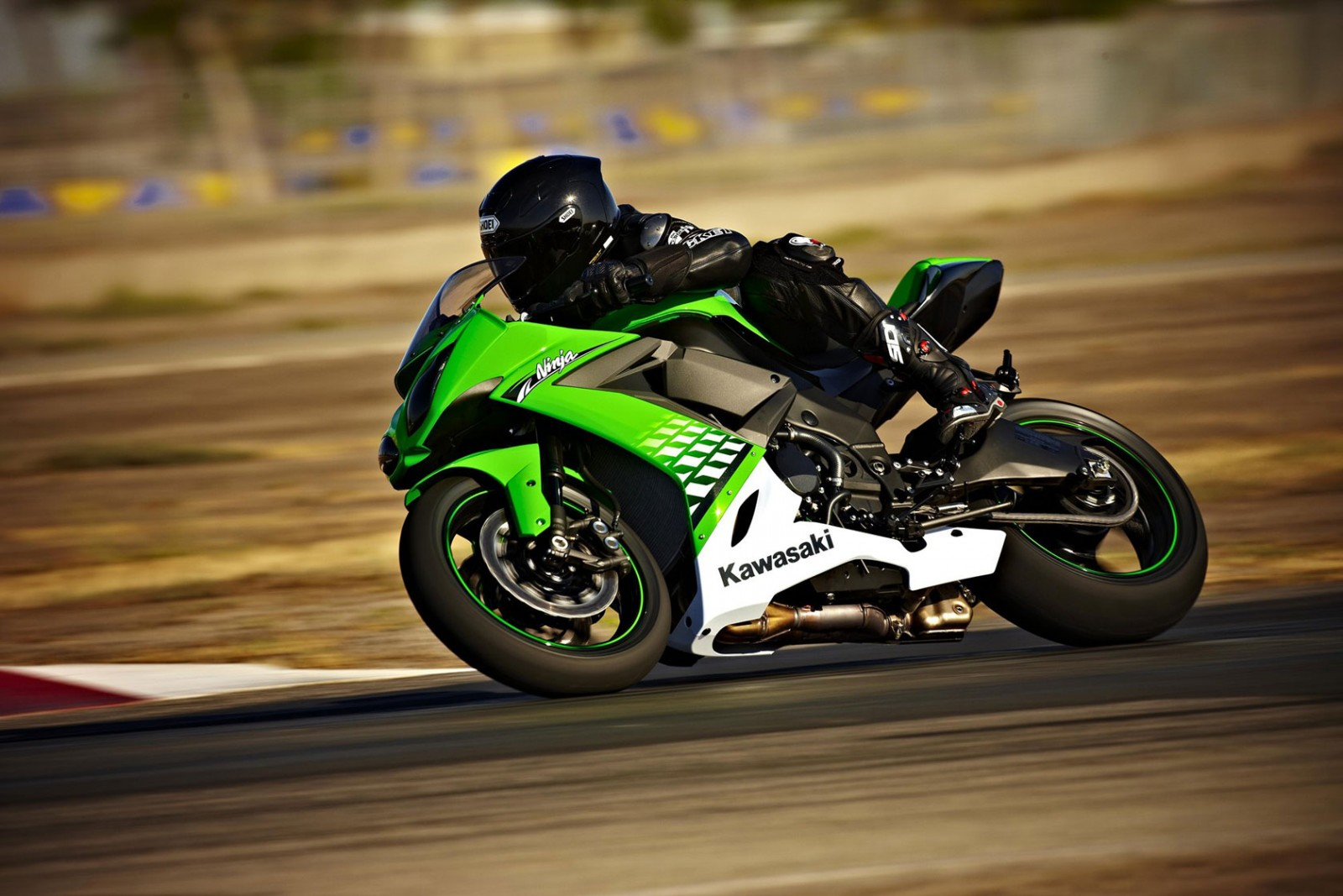 Stunt Wallpaper Hd Kawasaki Zx 10r 1000 2008 2010