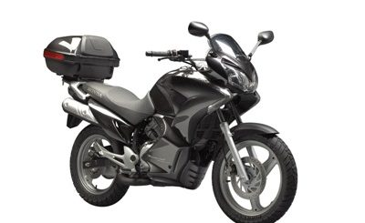 vitesse maximale d 39 une moto 125cm3 et vitesse moyenne. Black Bedroom Furniture Sets. Home Design Ideas