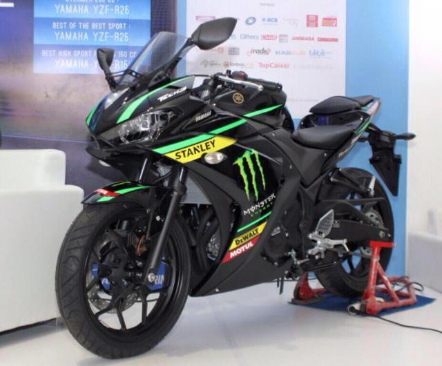 R25-Yamaha-Tech3-002