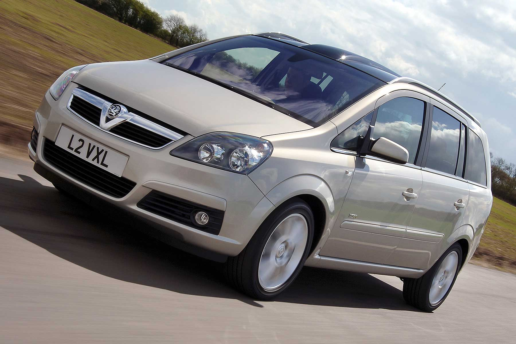 Vauxhall Zafira New Car Deals Vauxhall Offers Free Zafira Safety Check After Reports Of