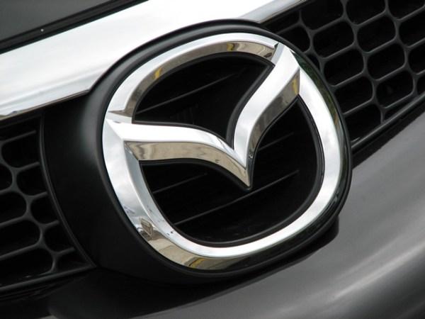 9. Mazda 2,356 unidades