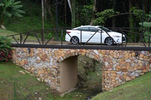 Otra toma del Elantra en la Hacienda Muñoz, en San Lorenzo.