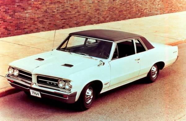 El Pontiac GTO original (1964) era básicamente un simple Pontiac Ventura con un monstruoso V8 de 389 pulgadas cúbicas. FOTOS: General Motors