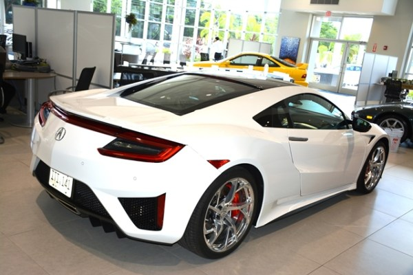 En el V6 twin turbo y los motores eléctricos, el NSX genera 573 caballos de fuerza.