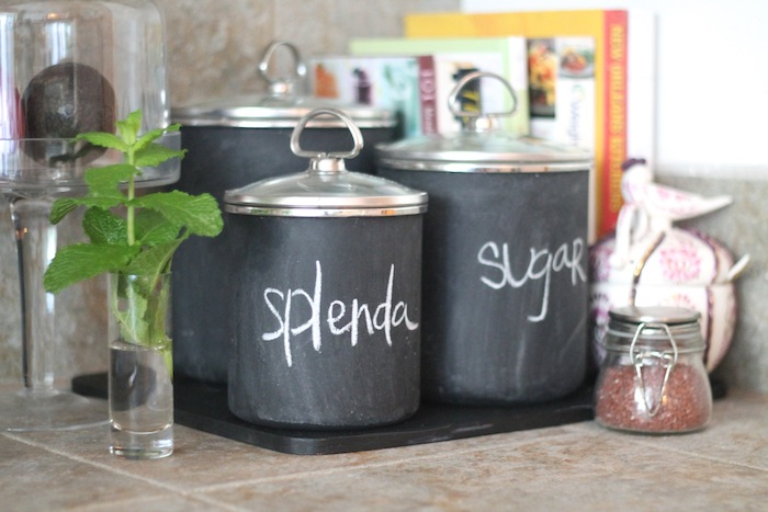 DIY-chalkboard-canisters