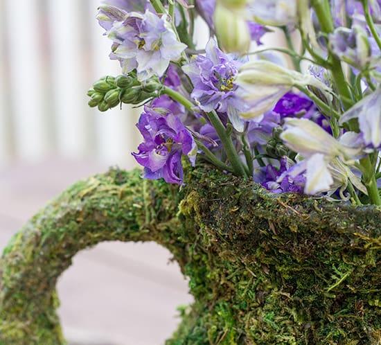 enchanted diy vase with larkspur flowers mountainmodernlife.com