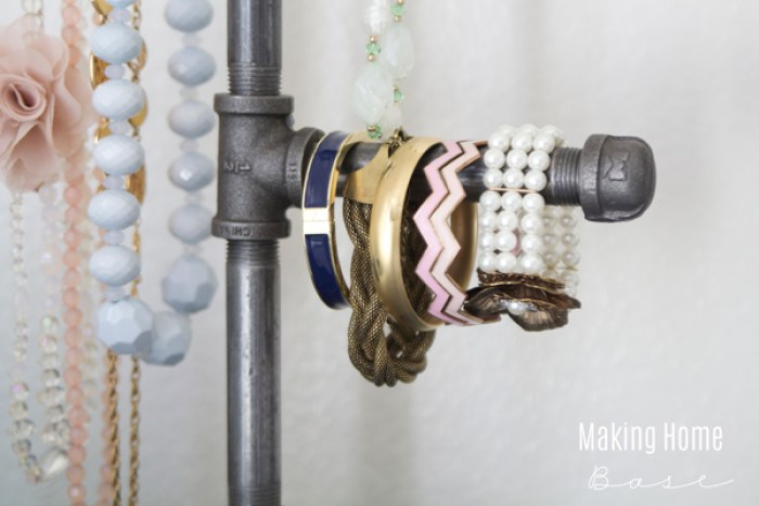 DIY-Pipe-Jewelry-Organizer