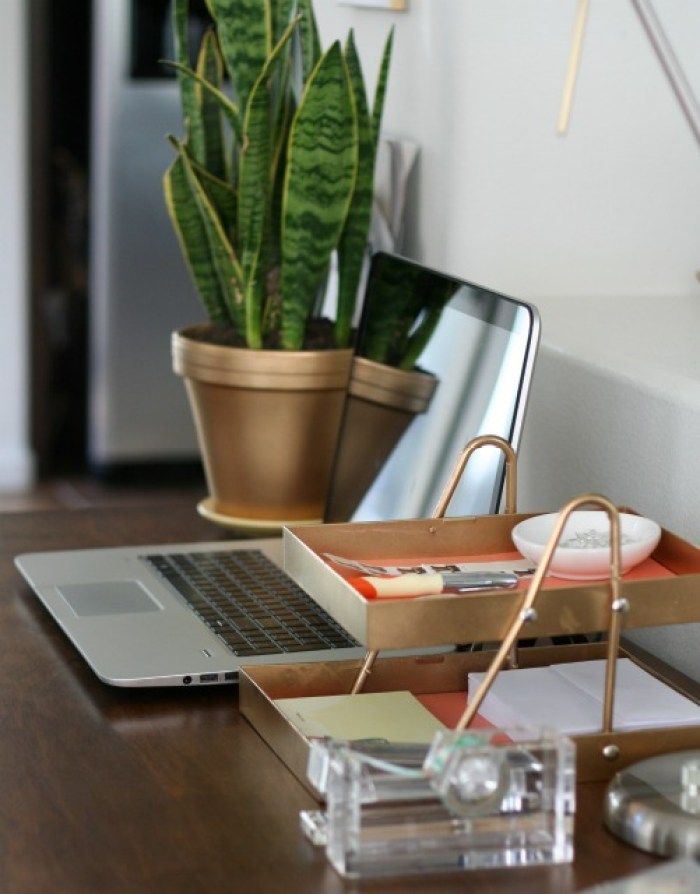 a-diy-desk-organizer-made-from-a-plastic-hanger-and-lucite-shadow-boxes
