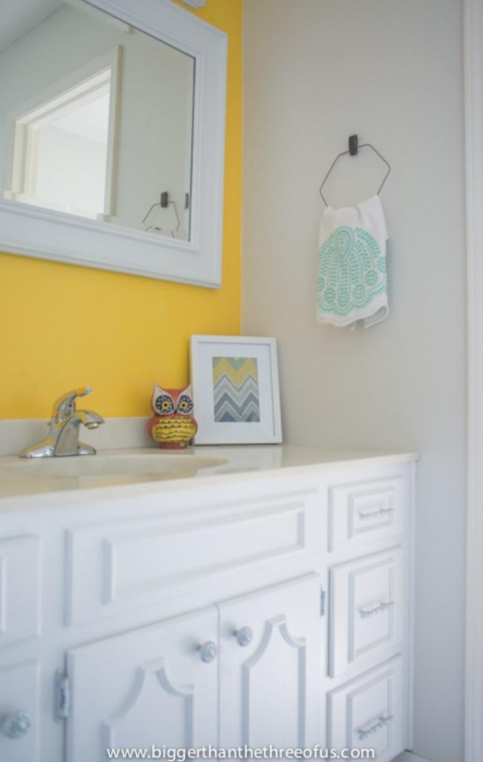 upcycled-towel-rack-hanger